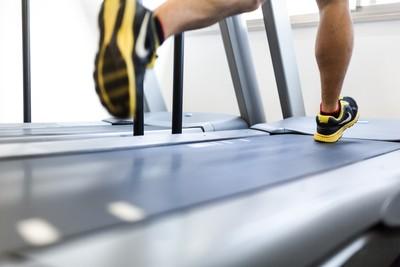 想買平板跑步機練身材「每天在家快走30mins」…秒遭打搶!網曝真功能笑噴