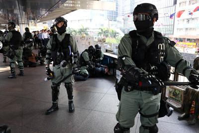 香港政府高層「深夜緊急會議」 港媒:可能公布「新招」!