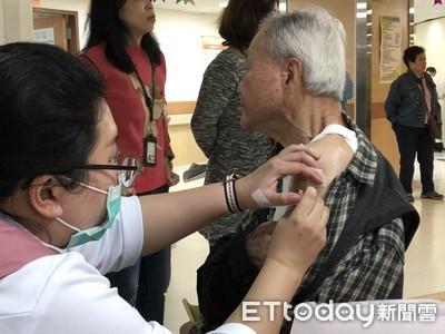 「9成死亡是老人」專家籲加打肺炎鏈球菌疫苗 新北65歲↑長者免費打