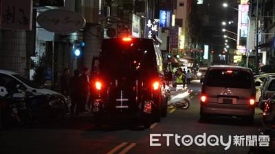 台南後壁爆裂物案追到高雄警匪對峙中! 防爆車及霹靂小組到場