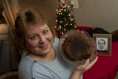 141年祖傳水果蛋糕「被吃過兩口」 繼承者:當傳家寶繼續珍藏