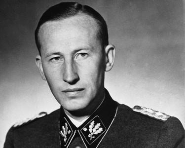 納粹「金髮屠夫」無名墳墓 神秘人詭異挖開…屍骨1根沒動就走了