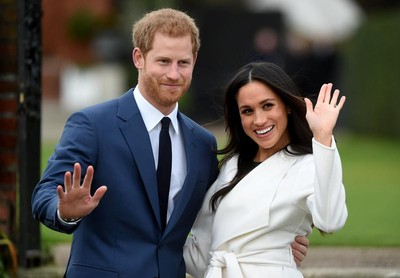 哈利和梅根為何退出皇室活動? 看完「報紙標題」就明白了
