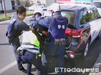 善警防搶演練 展現攔圍捕打擊犯罪實力