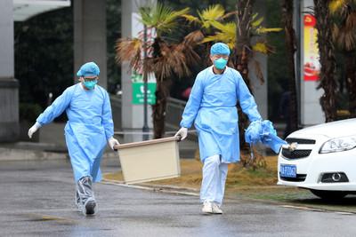 武漢肺炎全球首例非陸籍!女台商發燒拒看陸醫回台「人傳人機率大」