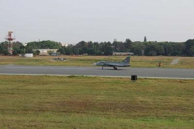 印度花費33年研發 「完全作戰能力狀態」的光輝戰機首飛