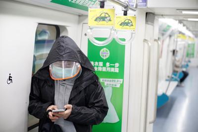 好心提醒「超市排隊要戴口罩」 北京72歲老翁頭部重擊致死