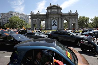 西班牙宣布:全國哀悼10天 「大流行時期」已經過去