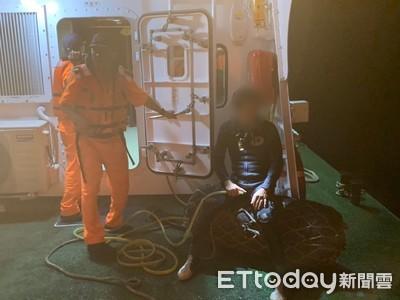 花蓮潛水客「抽筋體力不支」求援 海巡發現信號燈救上岸送醫