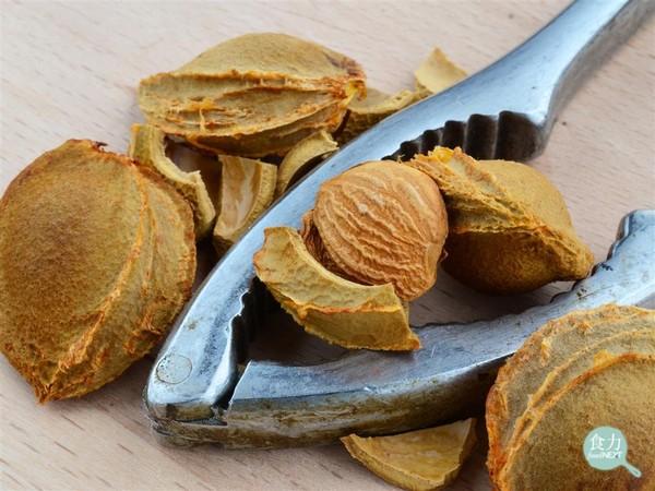 食力/吃杏仁也戰南北? 這種杏仁你可不能當零食吃!