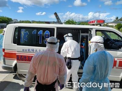 屏東2越南偷渡客送醫 1結石腹痛、1燒已退…快篩均陰性!