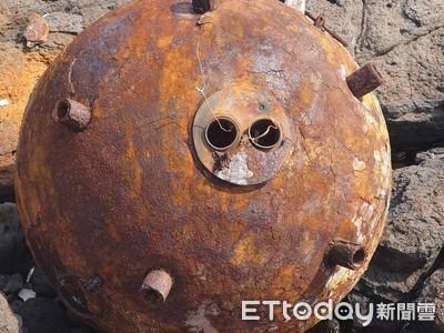 澎湖鋤頭嶼淨灘…驚見直徑1米金屬球!疑為「共軍水雷」民眾嚇傻