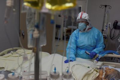 美破20萬死!全球確診逾3143萬例 法國單日再通報萬人染疫