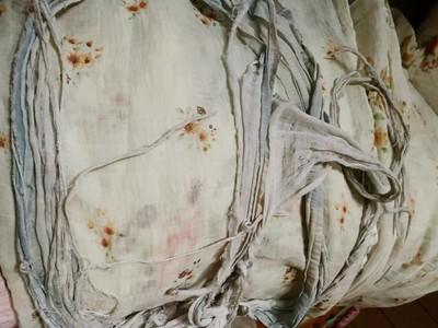 親妹曬35年小被被!本體曝光「爛成盤絲洞」 千人驚呆:骨灰級