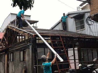善耕365/走進雜物堆滿寸步難行的家,用希望螺絲守護弱勢的修繕行善團