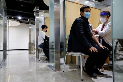 累計48人猝死!她重申「無暫緩施打」流感疫苗計畫:健康時趕快打