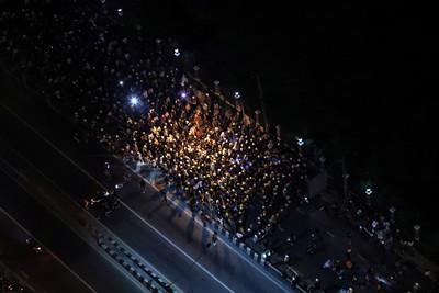 曼谷人海遊行至德國大使館 德國外交部長:有監控泰王活動