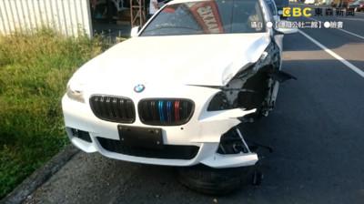 白色BMW遭三寶擊落半毀!他「奇蹟無傷」8秒片瘋傳:進口車值得