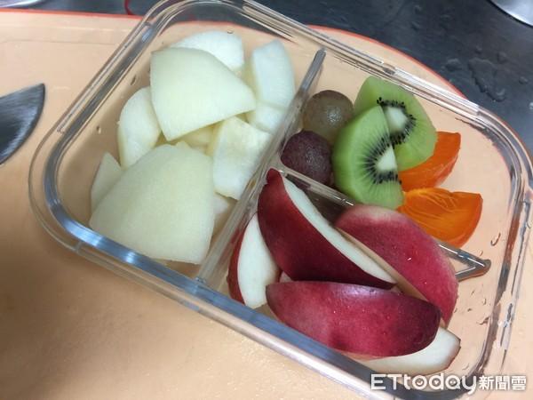 夫妻狂嗑「發霉水果」罹肝癌!營養師揭密 這5種放冰箱也沒救。(圖/南投醫院提供)