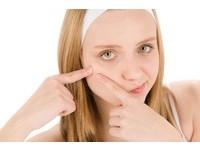 臉上長「粉瘤」怎麼辦? 1圖4方法醫師教你怎麼治!