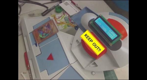 投影黑魔導女孩!台網友自製《遊戲王》決鬥盤紅到日本