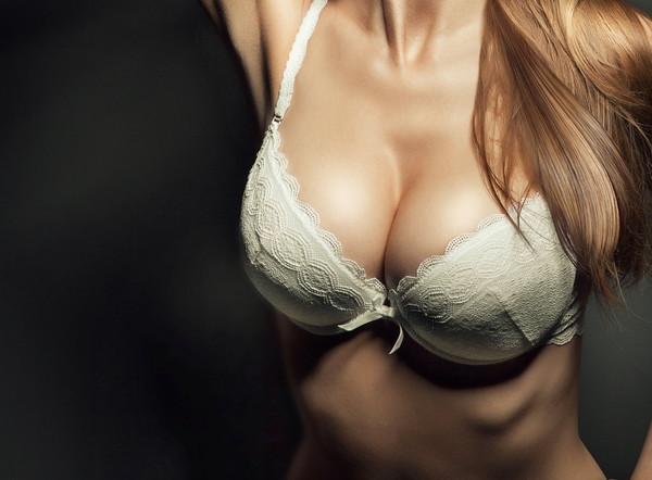 乳房,胸部,胸罩,罩杯。(圖/達志影像/示意圖)